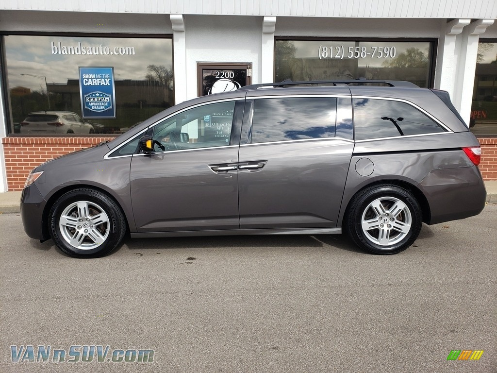 Polished Metal Metallic / Gray Honda Odyssey Touring Elite