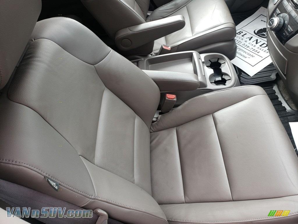 2013 Odyssey Touring Elite - Polished Metal Metallic / Gray photo #54
