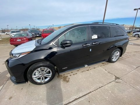 Midnight Black Metallic 2021 Toyota Sienna XSE AWD Hybrid