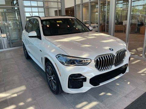 Mineral White Metallic 2022 BMW X5 xDrive45e