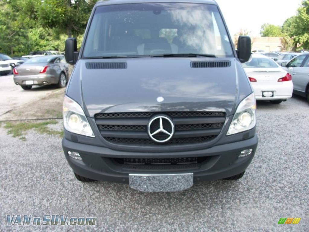 2010 mercedes benz sprinter 2500 passenger van in graphite for 2010 mercedes benz 2500