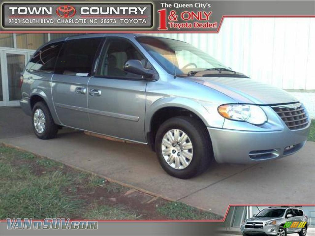 2005 chrysler town country lx in butane blue pearl 385413 vans and suvs for. Black Bedroom Furniture Sets. Home Design Ideas