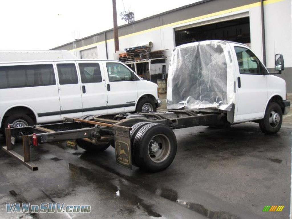 2006 Chevrolet Express 3500 Cutaway Chassis In Summit