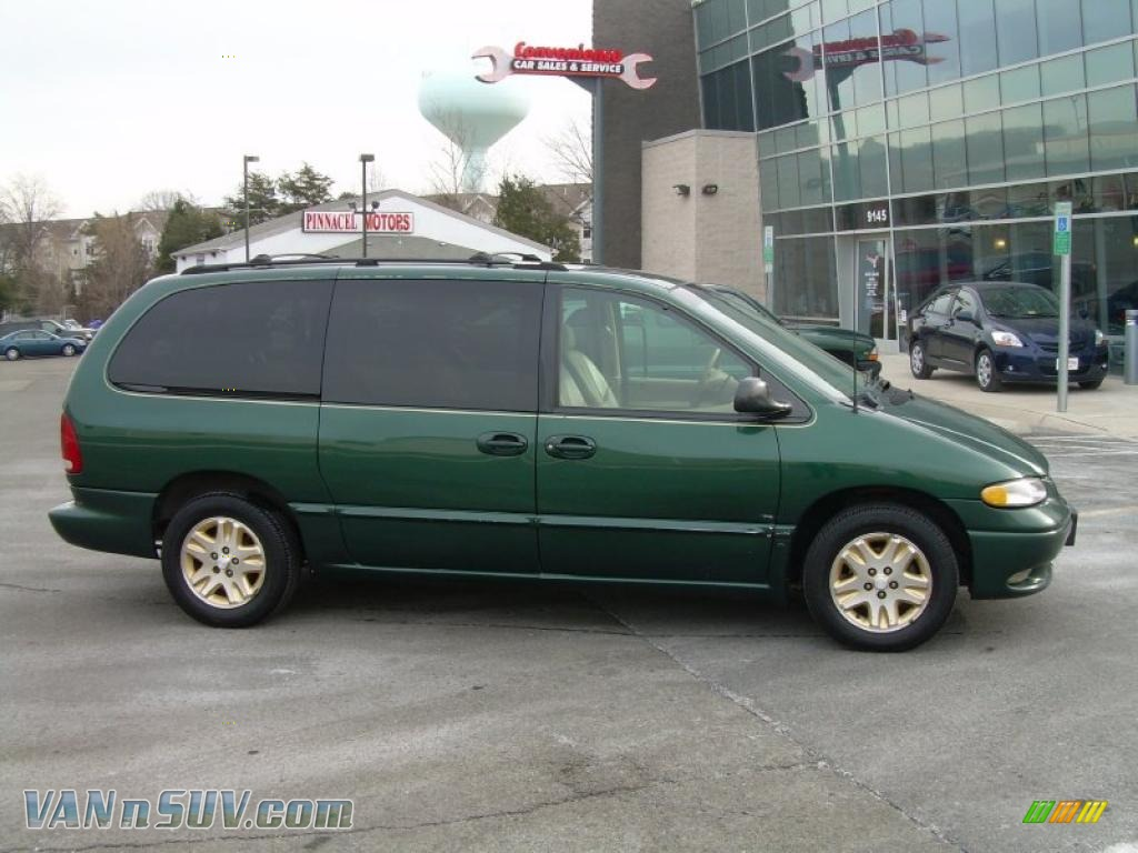 1996 dodge grand caravan le in deep hunter green pearl. Black Bedroom Furniture Sets. Home Design Ideas