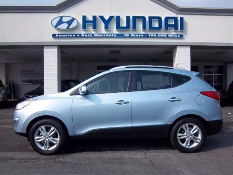 2011 Hyundai Entourage. 2011 Hyundai Tucson GLS