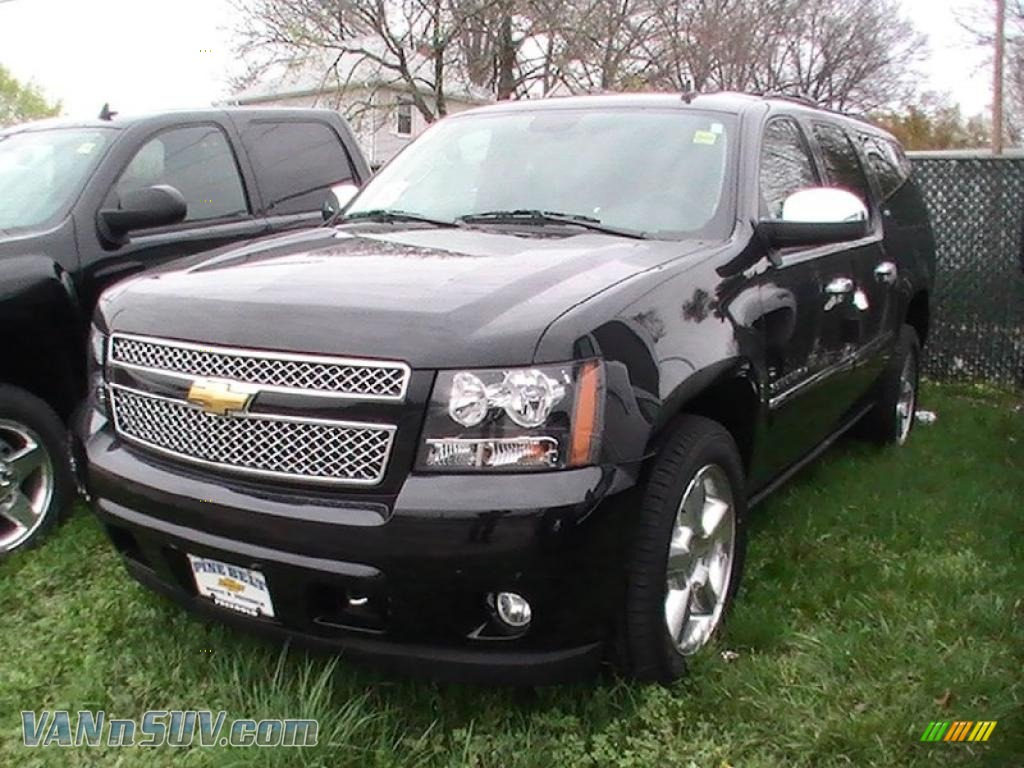 2011 chevrolet suburban ltz 4x4 in black granite metallic. Black Bedroom Furniture Sets. Home Design Ideas