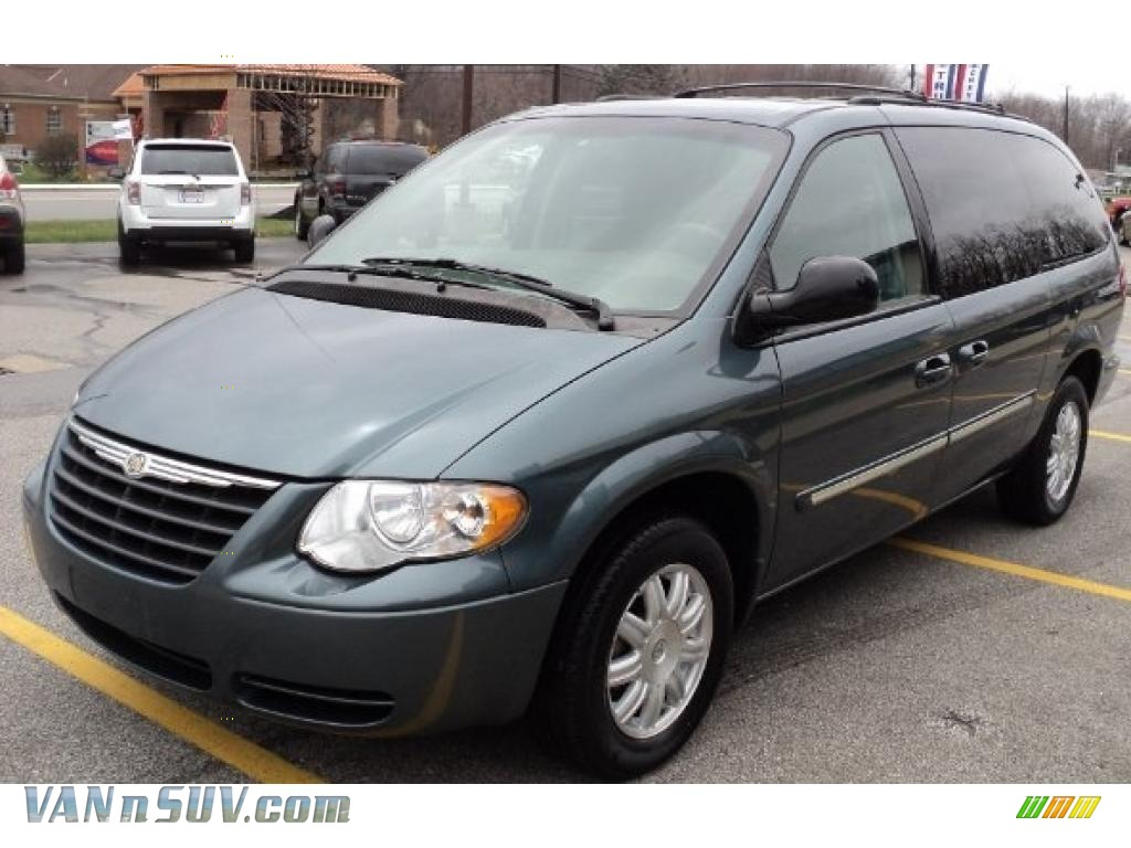 2006 chrysler town country touring in magnesium pearl 820865 vans and suvs. Black Bedroom Furniture Sets. Home Design Ideas