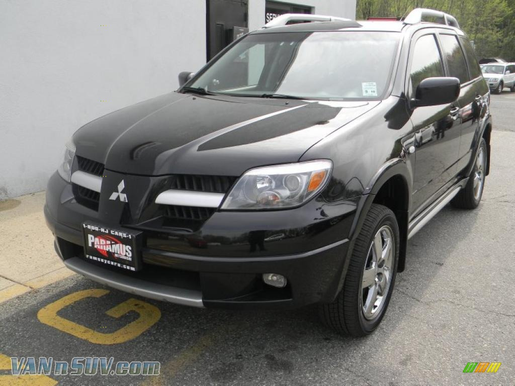 2006 mitsubishi outlander se 4wd in labrador black pearl. Black Bedroom Furniture Sets. Home Design Ideas