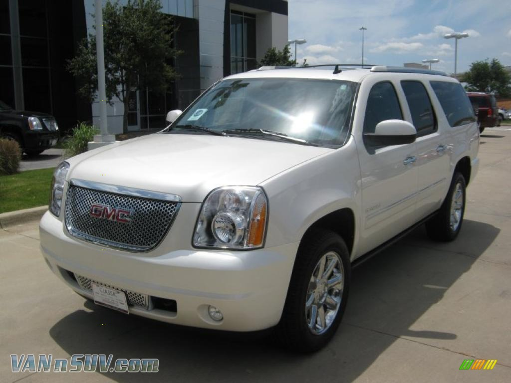 2011 gmc yukon xl denali awd in white diamond tintcoat 326448 vans and suvs. Black Bedroom Furniture Sets. Home Design Ideas