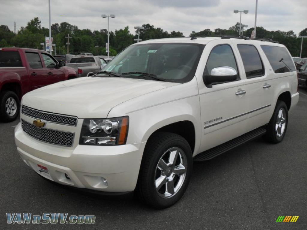 2011 chevrolet suburban ltz 4x4 in white diamond tricoat. Black Bedroom Furniture Sets. Home Design Ideas