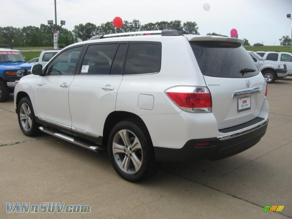 2011 toyota highlander limited in blizzard white pearl. Black Bedroom Furniture Sets. Home Design Ideas