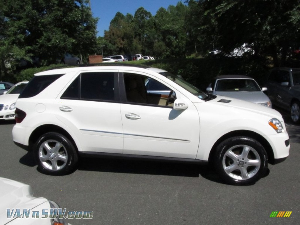 2008 mercedes benz ml 320 cdi 4matic in arctic white photo. Black Bedroom Furniture Sets. Home Design Ideas