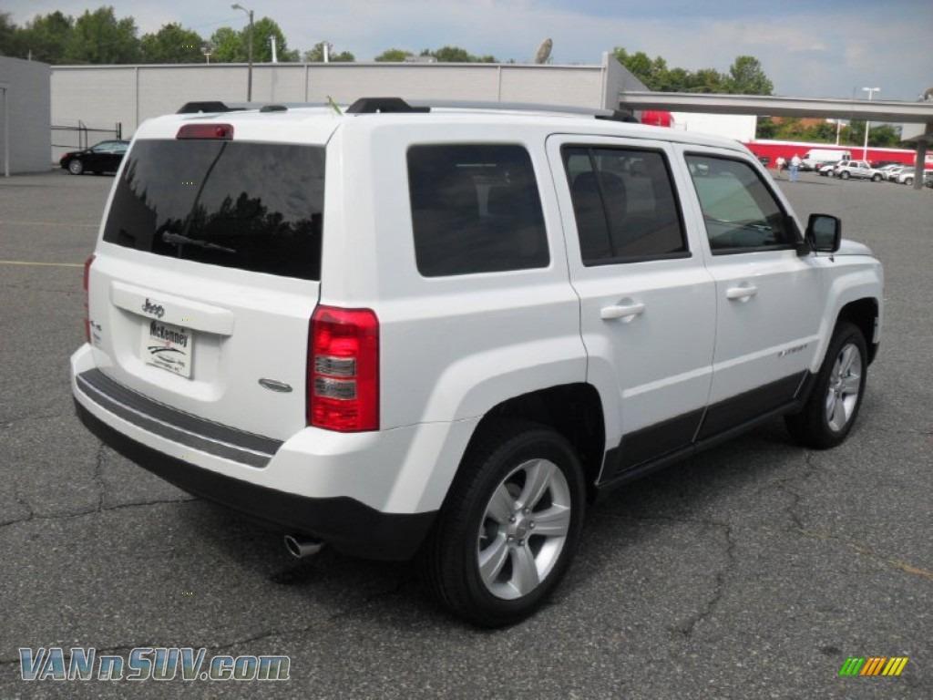 2011 jeep patriot latitude x 4x4 in bright white photo 4 279687 vans and suvs. Black Bedroom Furniture Sets. Home Design Ideas