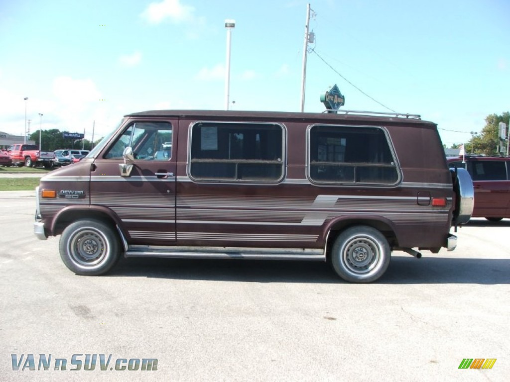 1990 Chevrolet Chevy Van G20 Passenger Conversion In Brown Photo 11 113617 Vannsuv Com Vans And Suvs For Sale In The Us