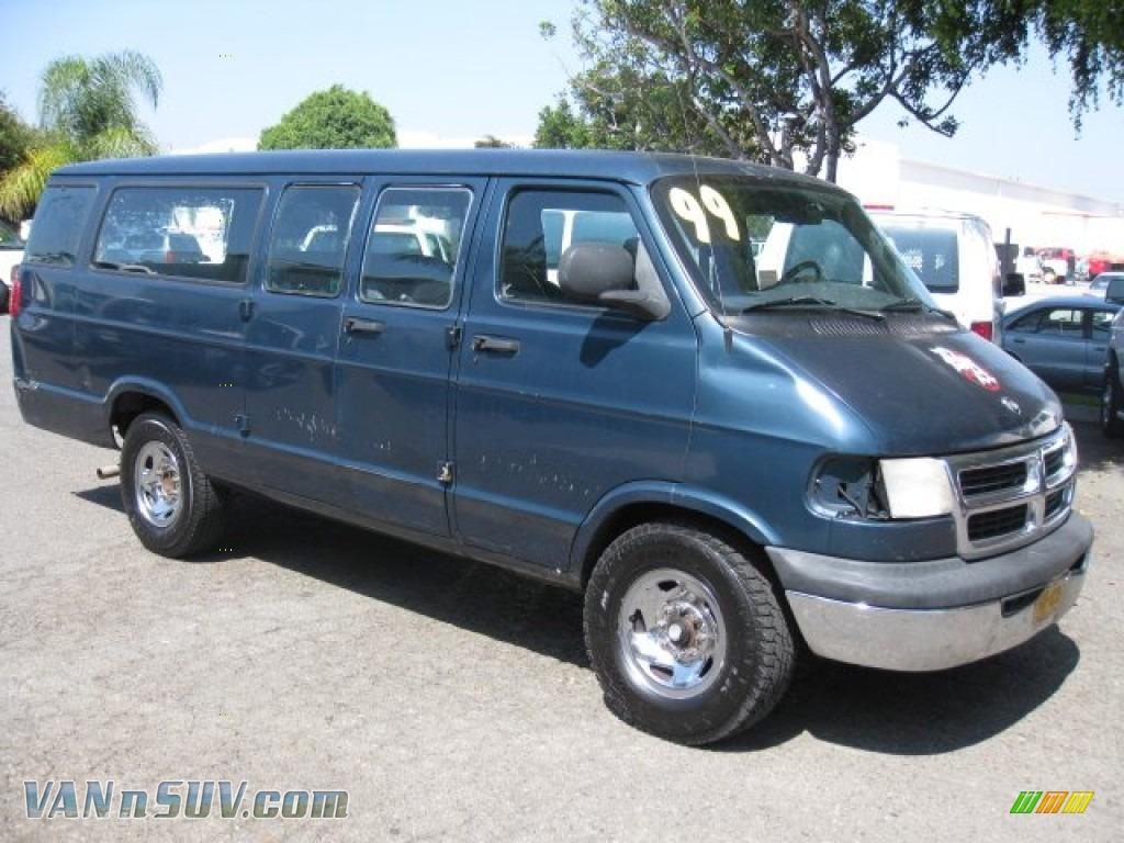 Dark Spruce Metallic Mist Gray Dodge Ram Van 3500 Penger