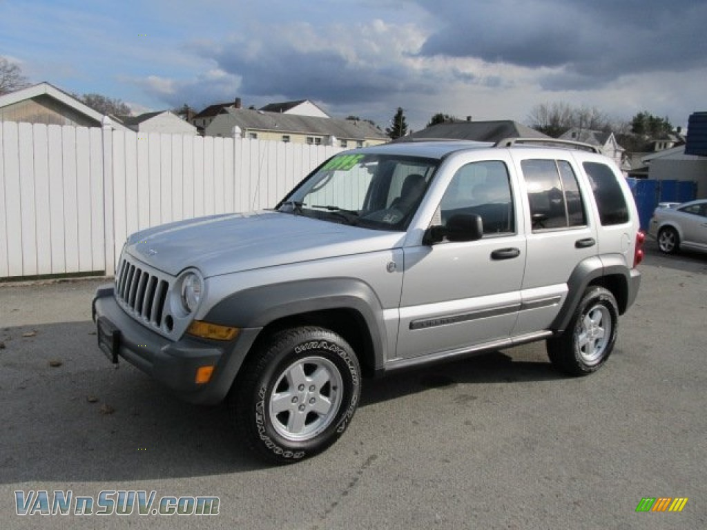 Ron Lewis Dodge >> 2005 Jeep Liberty Sport 4x4 in Bright Silver Metallic - 592872 | VANnSUV.com - Vans and SUVs for ...