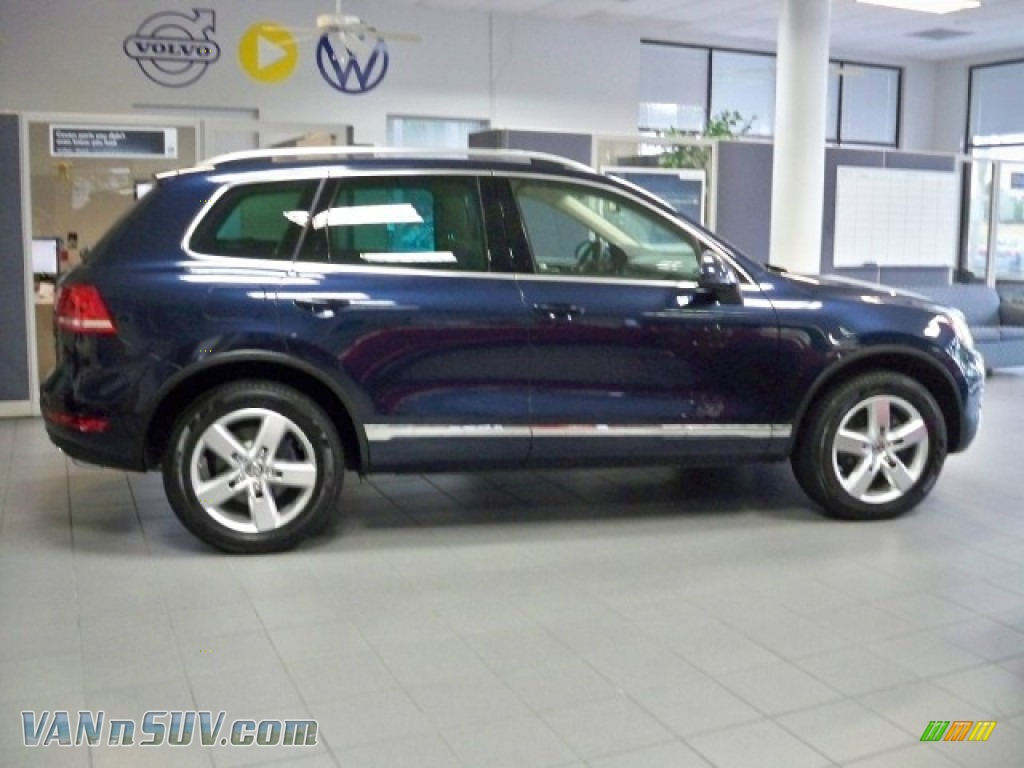 2011 Volkswagen Touareg Tdi Lux 4xmotion In Night Blue Metallic 001571 Vannsuv Com Vans And Suvs For Sale In The Us