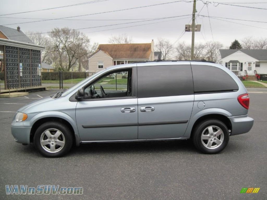 2005 Dodge Caravan Sxt In Butane Blue Pearl 215076