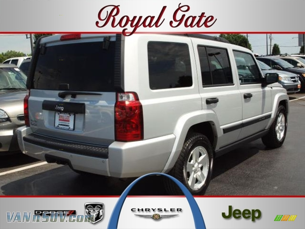 2006 jeep commander 4x4 in bright silver metallic 203931 for Royal chrysler motors inc