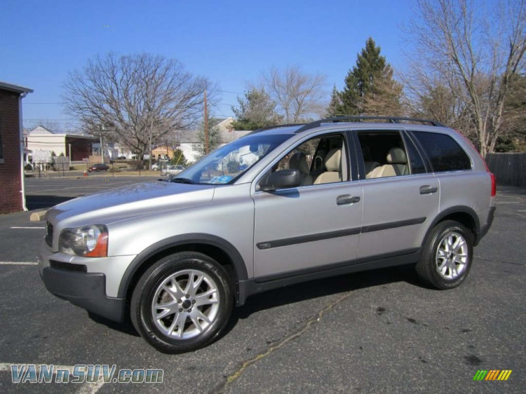 2004 Volvo XC90 T6 AWD in Crystal Green Metallic - 061176 | VANnSUV.com - Vans and SUVs for sale ...