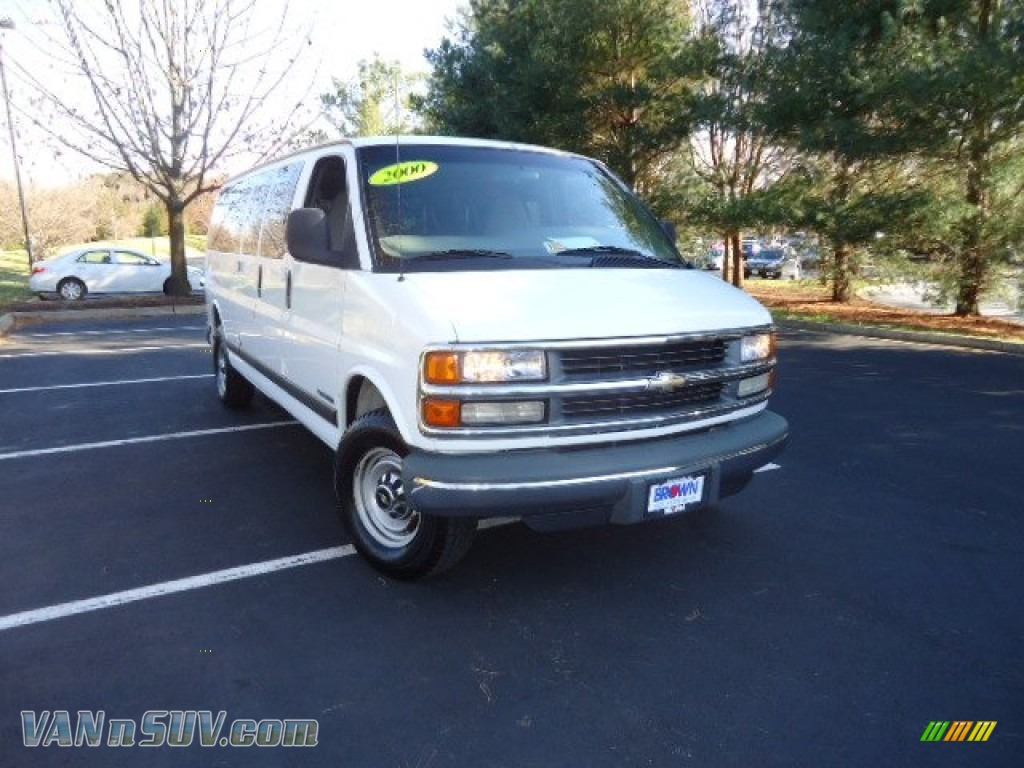 Summit White / Medium Gray Chevrolet Express G3500 15 Passenger Van