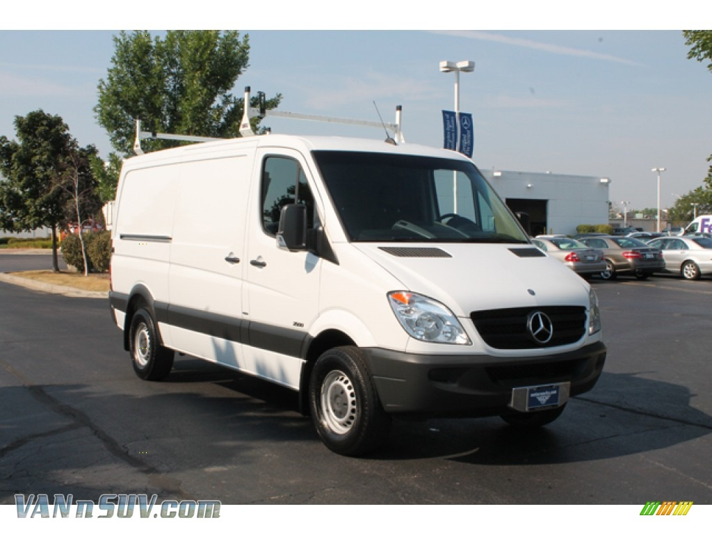 2011 mercedes benz sprinter 2500 cargo van in arctic white for Mercedes benz sprinter cargo van