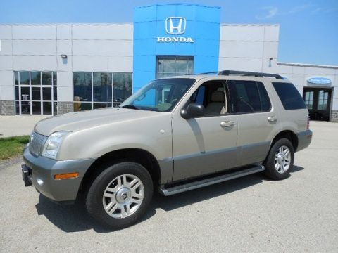 Light French Silk Metallic 2005 Mercury Mountaineer V6 AWD