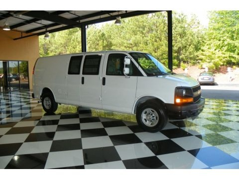 Summit White 2009 Chevrolet Express 3500 Cargo Van