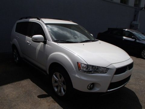 Diamond White Pearl 2010 Mitsubishi Outlander XLS 4WD