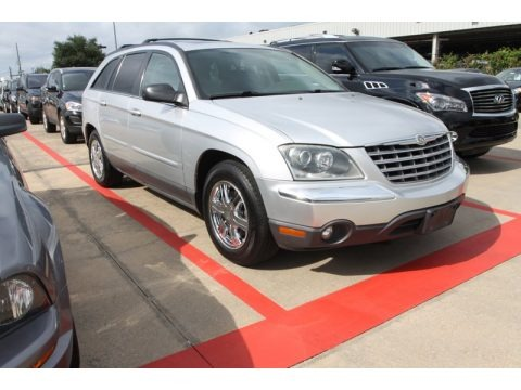 Bright Silver Metallic 2004 Chrysler Pacifica AWD