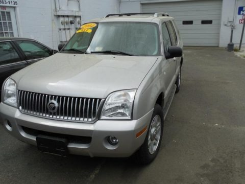 Silver Birch Metallic 2004 Mercury Mountaineer V8 Premier AWD