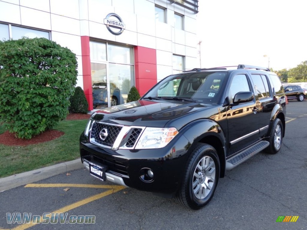 2010 nissan pathfinder le 4x4 in super black 618979. Black Bedroom Furniture Sets. Home Design Ideas