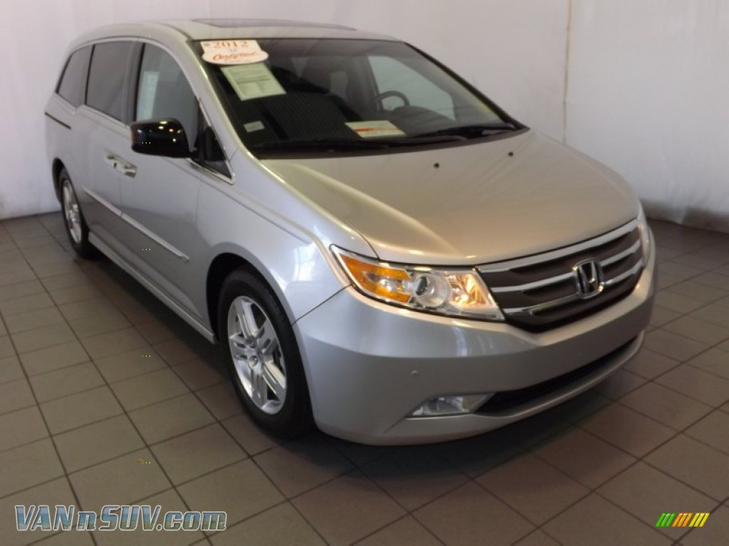 2012 honda odyssey touring in alabaster silver metallic. Black Bedroom Furniture Sets. Home Design Ideas
