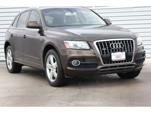 Teak Brown Metallic 2012 Audi Q5 3.2 FSI quattro