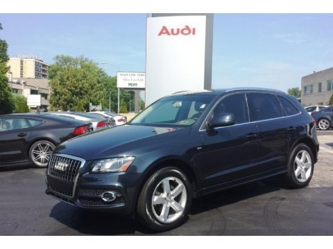 Moonlight Blue Metallic 2012 Audi Q5 3.2 FSI quattro